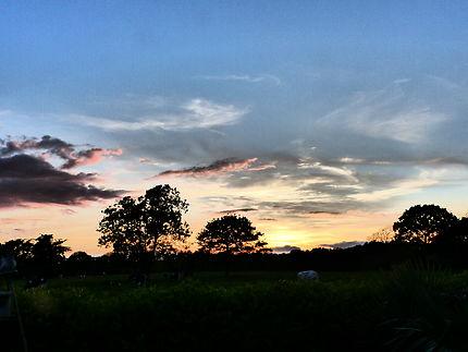 Ciel bleu et coucher de Soleil en Finistère
