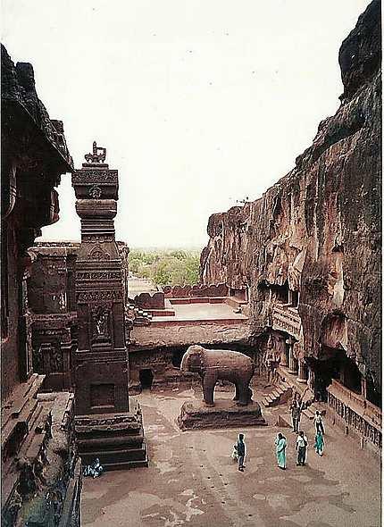 Ellora - Au sein du temple Kailasa
