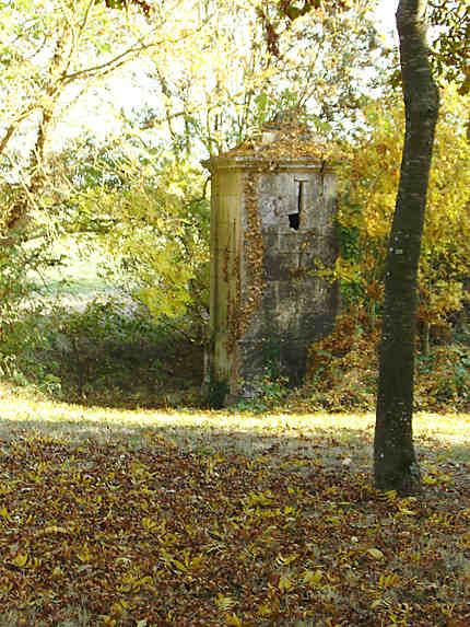 Ancienne fontaine à Puymoreau 17400
