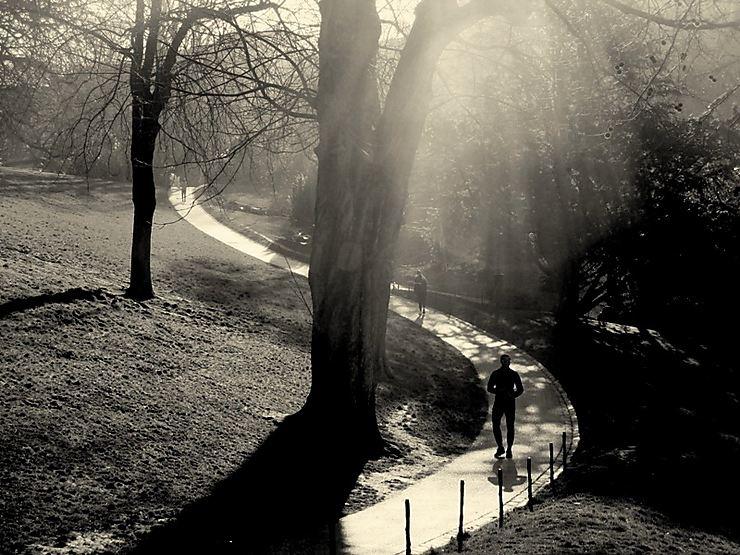 Footing matinal, parc des Buttes-Chaumont