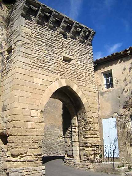 Porte de Goult