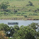 Bateau navette sur la lagune d'Abidjan