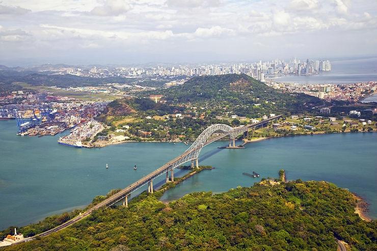 La traversée du canal de Panamá