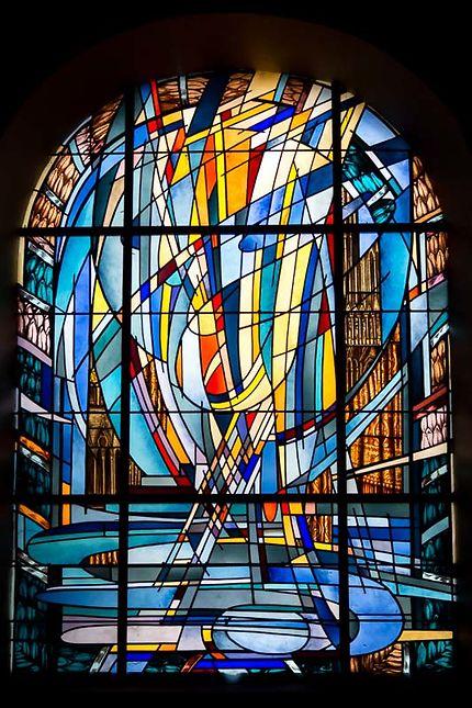 Vitraux modernes de l'Eglise St-Louis, St-Etienne