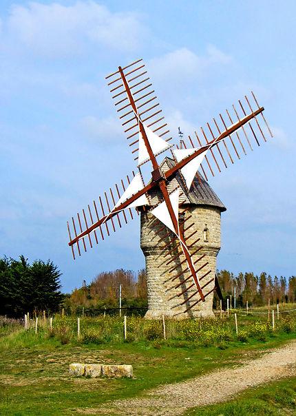 Le moulin de la falaise à Batz sur mer