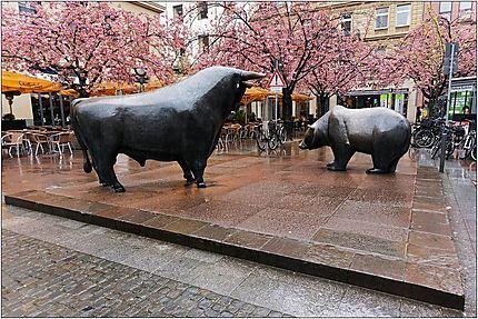 L'ours et le taureau