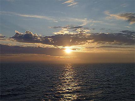 Coucher de Soleil entre Helsinki et Mariehamn