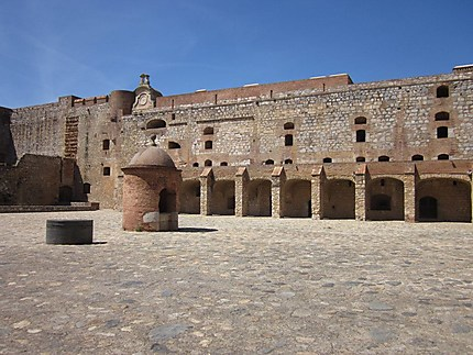 Place centrale du fort