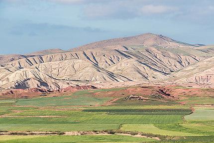 Paysage vers le lac du barrage Sidi Chahed