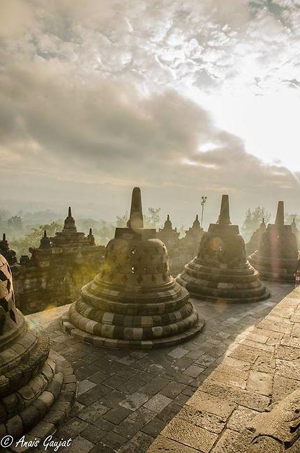Lever de soleil sur Borobudur, Yogyakarta