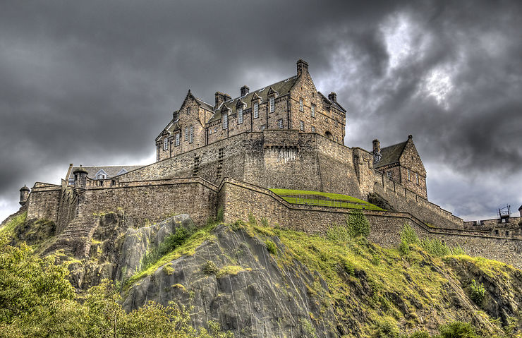 Insolite - Une route sur la trace des fantômes en Écosse