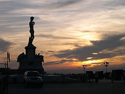 Coucher de soleil sur la Piazza Michelangelo