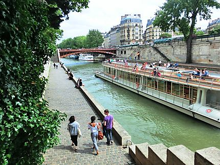 Promenade sur les bords de la Seine