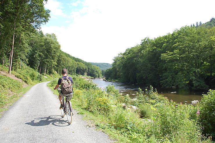 Ardennes - La Trans-Semoysienne, la nouvelle voie verte ardennaise