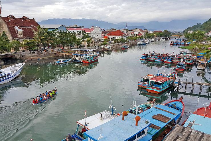 Padang : une ville cool, au bord de l'océan Indien