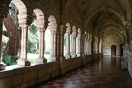 Cloître Ancient spanish monastery