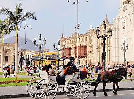 Plaza d'Armas à Lima