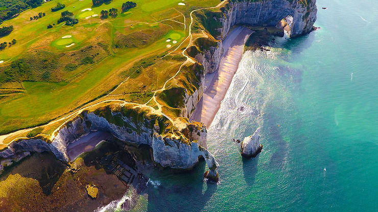 Les falaises d'Étretat et la côte d'Albâtre, icônes normandes