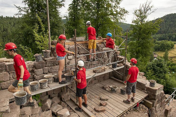Apportez votre pierre à l'édifice : devenez bâtisseur de châteaux en Alsace