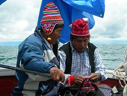 Tricoteurs sur l'ìle de Taquile