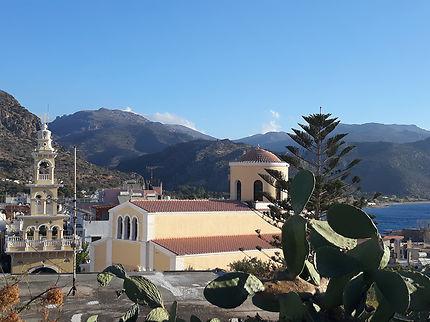 Eglise et clocher de Paleochora vue panoramique