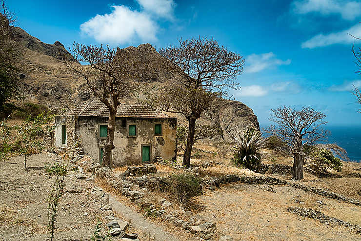 Maison entre Nossa Senhora do Monte et Fajã de Agua (Île de Brava)