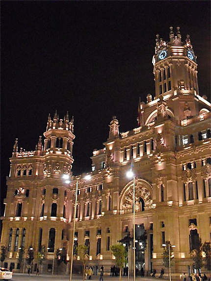 Hôtel-de-Ville de nuit