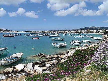 Port d' Alyki Paros