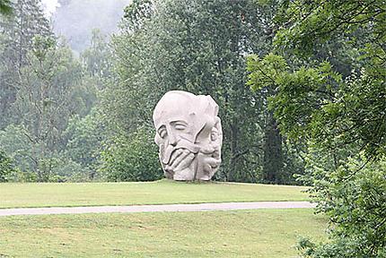 Statue dans le parc du château