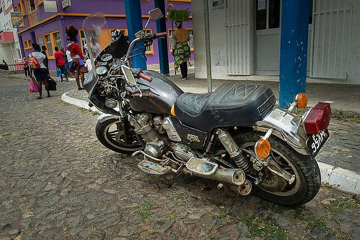 Moto à Tarrafal (Île de Santiago)