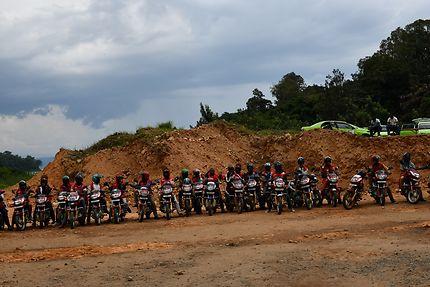 Moto-taxis près du lac Kivu, au Rwanda