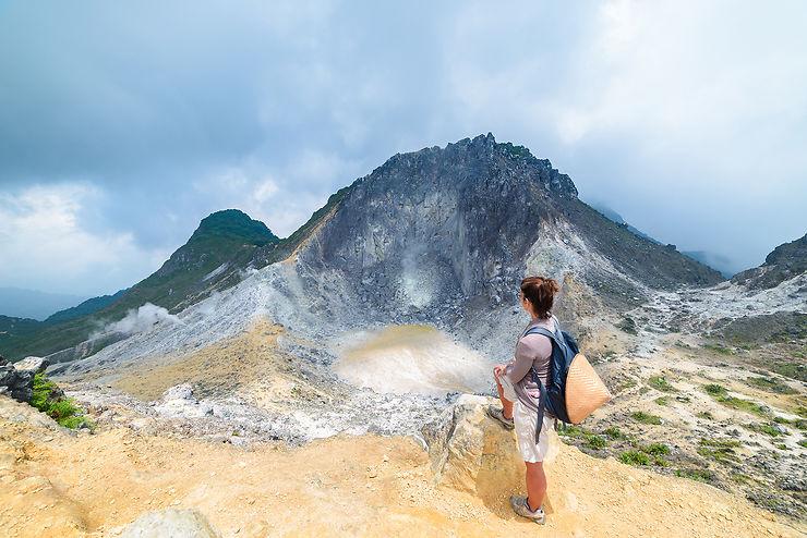 Volcan et villages traditionnels du pays Karo