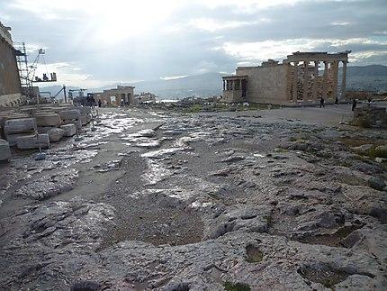 L'Acropole après la pluie