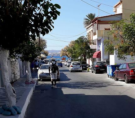 Rue menant à la plage de Sable - Paléochora