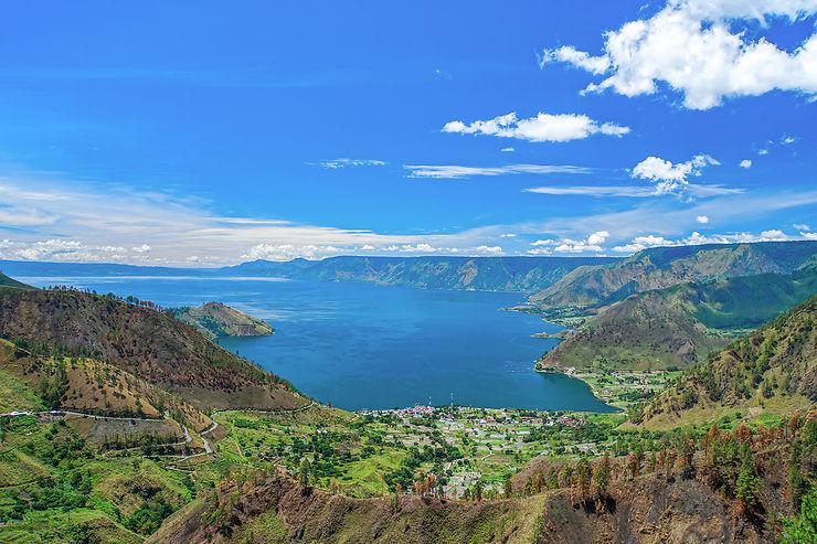 Le lac Toba et les Batak : un site unique relaxant, un peuple fascinant