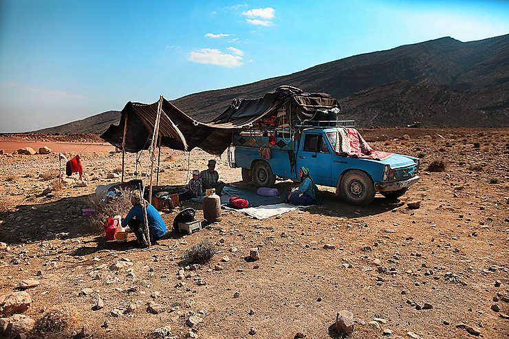 Campement de fortune des nomades Qashqai pendant la grande migration d'hiver, Iran