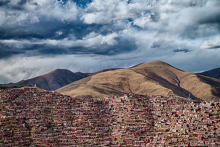 Larung Gar, lieu de vie de 40 000 moines bouddhistes, Sichuan, Chine
