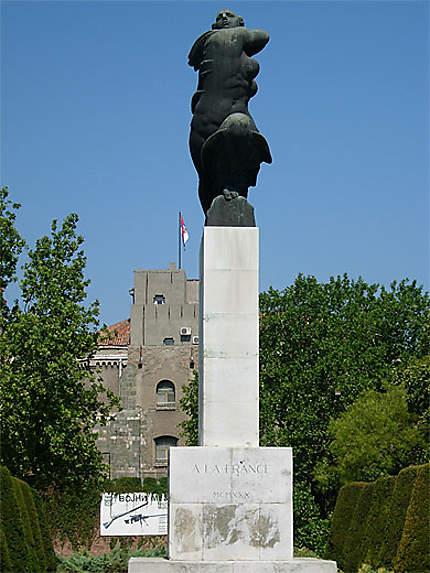 Monument à la France