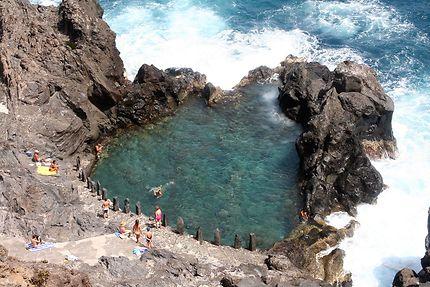 Charco de la Laja, petite piscine naturelle.