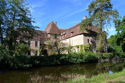 Château de Lantilly dans la Nièvre