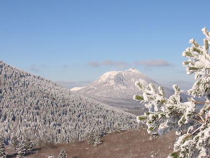 Splendeur de l'Auvergne sous la neige