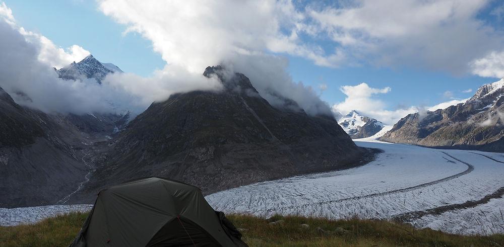 Aletsch. Bivouac face au plus grand glacier des Alpes.