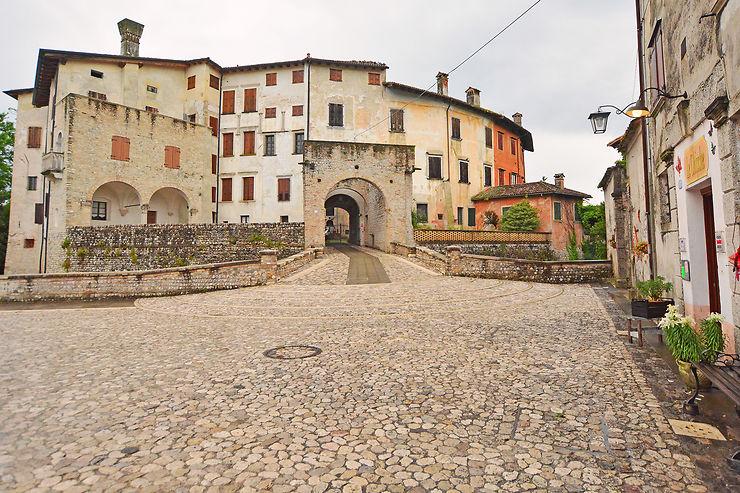 Le village médiéval de Valvasone