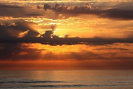 Coucher de soleil sur le port de la Cotinière