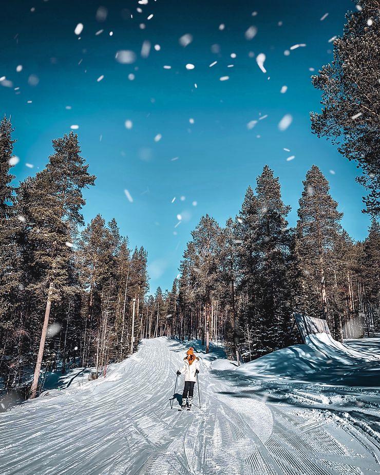 Ski à la station de Levi, Finlande