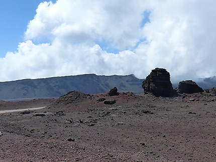 Les roches volcaniques dans la plaine des Cafres