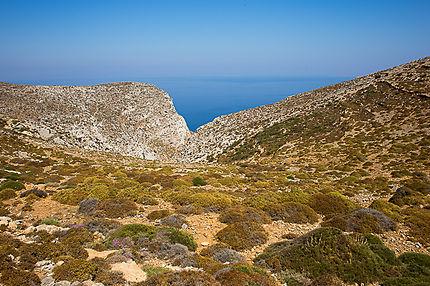 En randonnée sur l'Île d'Amorgos