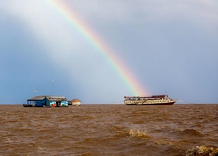 Arc-en-ciel sur Tonlé Sap