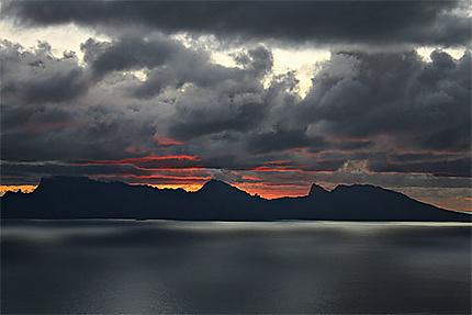 Ciel d'orage sur Mooréa