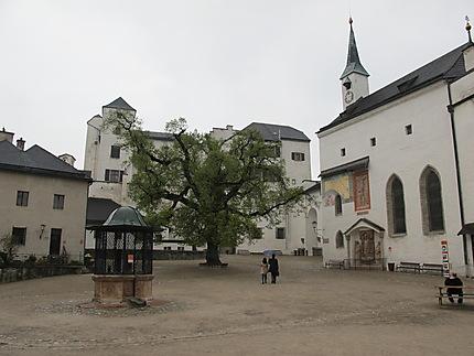 Cour intérieure de la forteresse